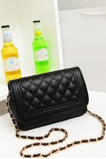 Date night messenger black woman handbag