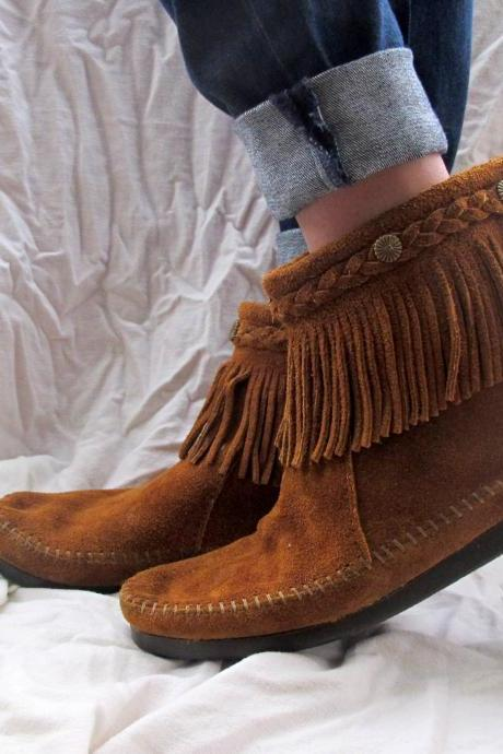 Minnetonka Moccasins Boots Brown Suede Fringe Ankle High