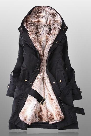 Black Parka With Faux Fur Inner YU02