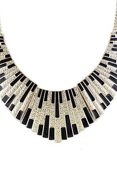 Statement jewelry evening dress black woman necklace