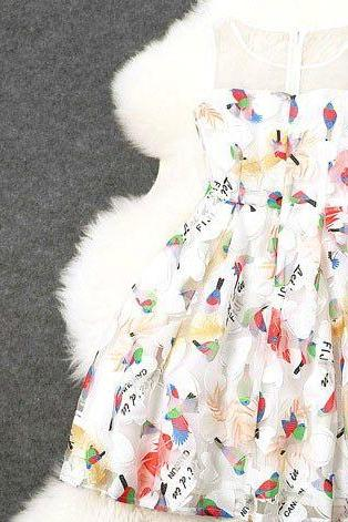 Beautiful Vintage Bird Design Sleeveless Party Dress