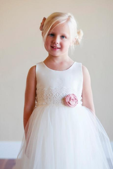 white flower girl dress,Sleeveless flower girl dress,flower girl dress with bowknot, Flower Girl Dress, girl dress,birthday party dress.