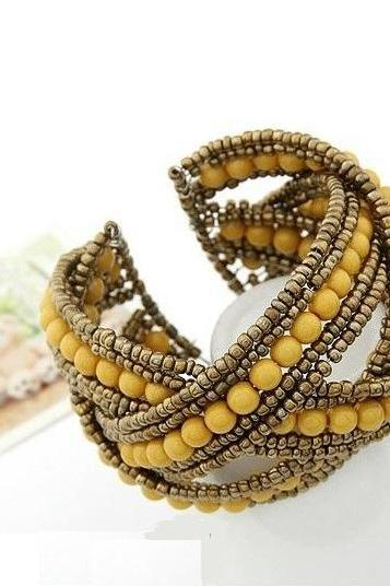 Fancy vintage beads yellow woman bracelet
