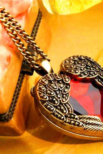 Women's Fashion Jewelry Retro Cute Angel Wing Red Gemstone Heart Pendant Vintage Fashion Chain Necklace