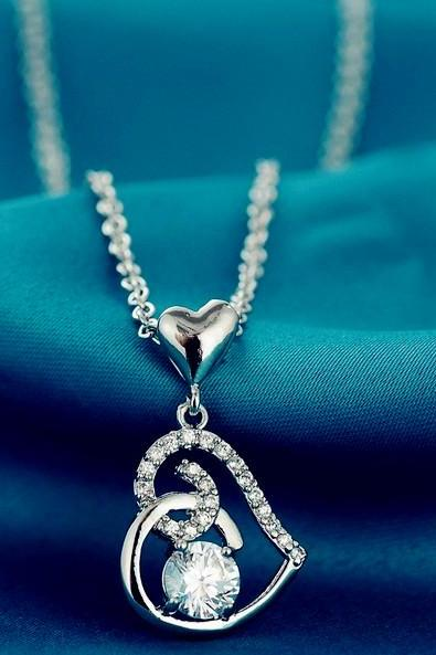 Fashion Women's Heart Love Diamond Crystal Shining Necklace