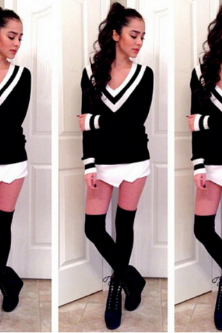 Black and White V Neck Knitwear Sweater