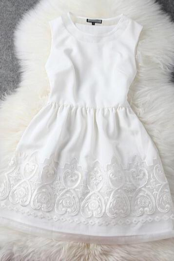 Embroidered white princess dress GF11607YT
