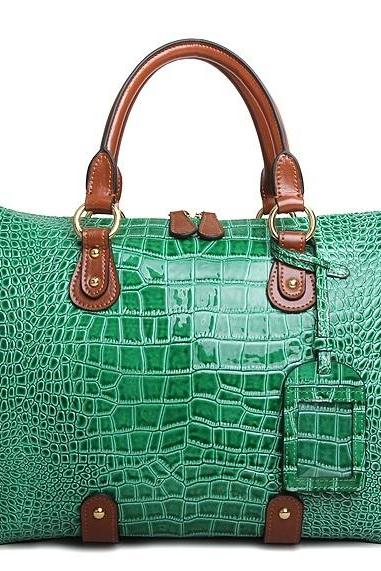 CROC-EMBOSSED GRACE SHOULDER BAG