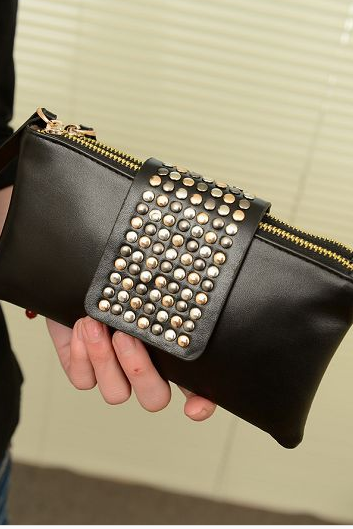 Korean version of the new wave of black wallet fashion handbags rivets holding the bag ladies evening bag long section