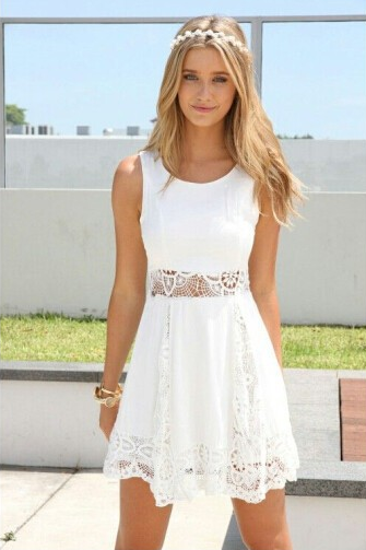 Chiffon lace spell receives the waist sleeveless round collar dress