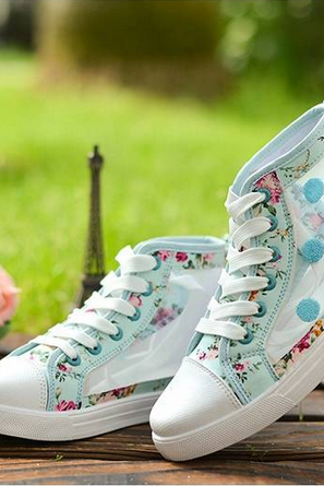 Floral Hollow Canvas Shoes-pale blue