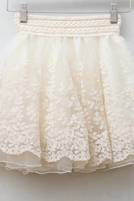 Short Circle Skirt featuring Lace Embroidery