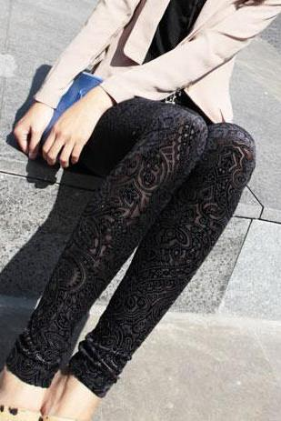 Gorgeous Folk Style Floral Crochet Leggings