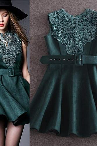 Elegant Lace Spliced Solid Color Sleeveless Slim Fit Dress