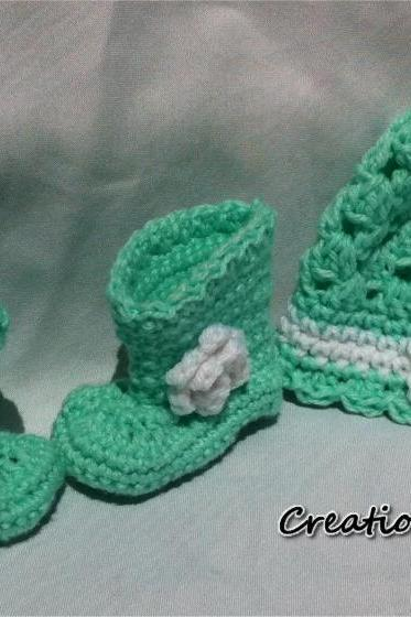 0 to 3 months Mint Green Baby Boots and Hat
