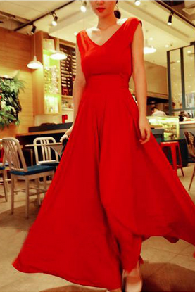 Deep V Halter Put On A Large Red Chiffon Dress Vest Dress
