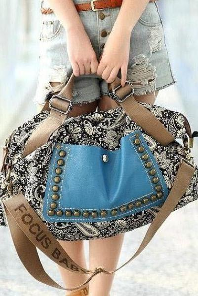 Cute Retro Style Rivet Bag