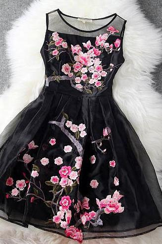 2014 Handmade Embroidered Lace Dress In Black