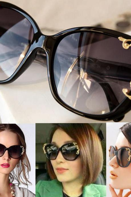 Gold-tone Roses Carving Oversize Frame Sunglasses
