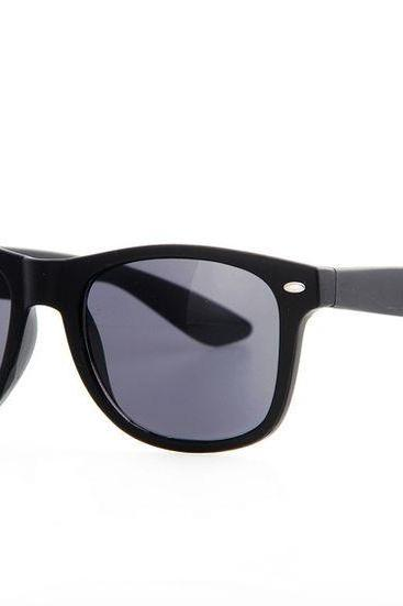 Black frame summer Wayfarer Fashion Unisex Sunglasses