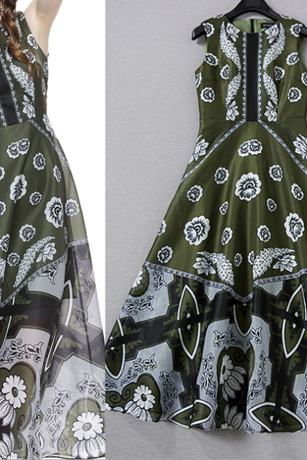 The new spring and summer 2015 vintage printed sleeveless garment dress dress