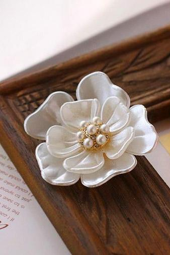 Fashion Women's Jewelry Shell Flower Pearl Diamond Brooch Best Gift for Her