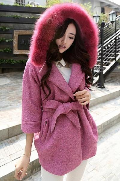 Luxurious Faux Fur Collar Mid Length Slim Fit Woolen Coat