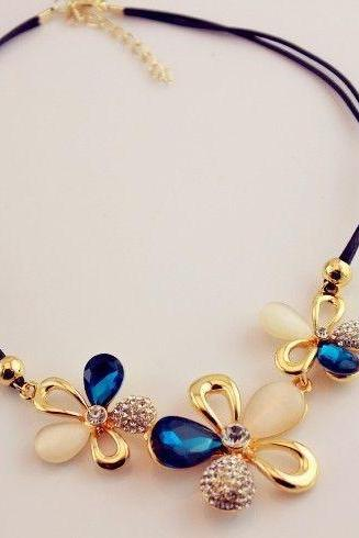 Pendant Three Blue Stone Flowers Fashion Woman Necklace