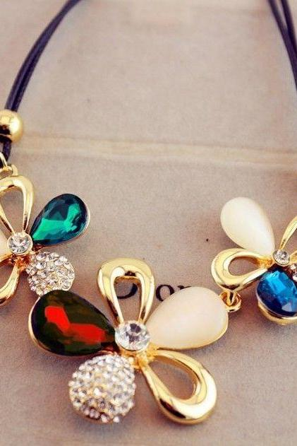 Pendant Three Stone Colorful Flowers Fashion Woman Necklace