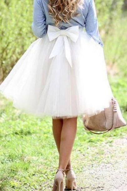 Knee-length Tulle Skirt featuring Oversized Back Bow