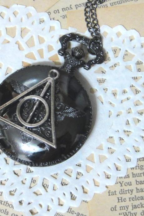 college classic hogwart pocket watch - with a deathly hallows at the back