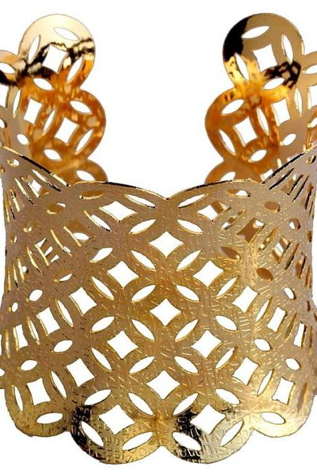 Hot Sale Hollow Design Gold Plated Bangle Charms Alloy Cuff Bracelet Party Lady