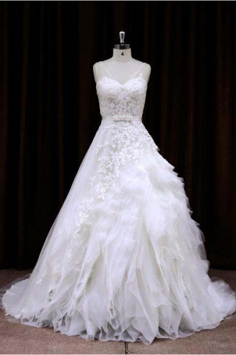 2015 Sweetheart Ball Gown Wedding Dress With Ruffled Skirt And Lace Appliques