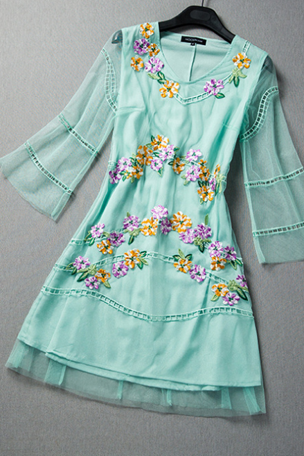 2015 heavy embroidery hollow-out cultivate one's morality dress