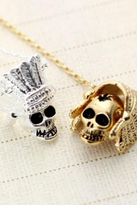 Indian skull Necklace in Gold / Silver