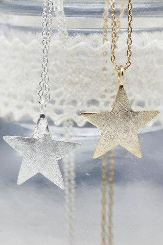 Brushed Chunky Star Necklace in Gold / Silver