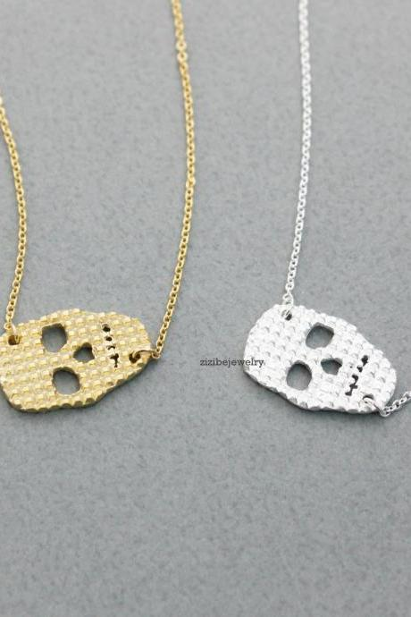 Sideways Skull face pendant Long necklace in gold / silver, N0356G
