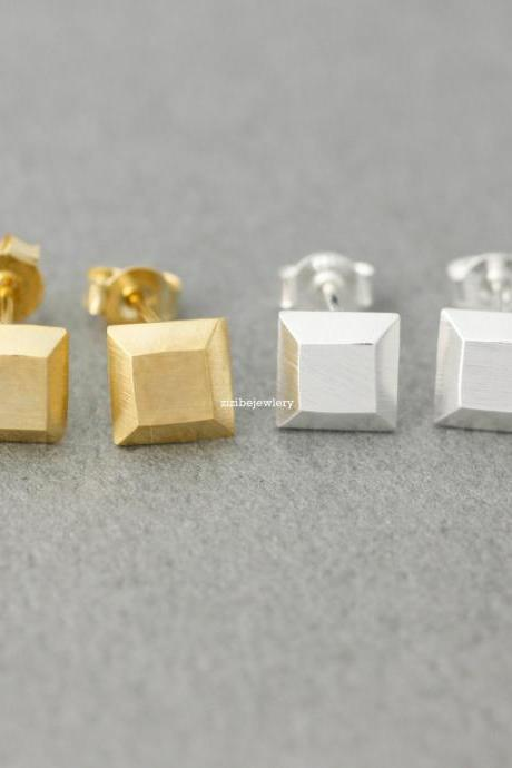 3D Cube Square stud earrings in gold / silver, E0394G