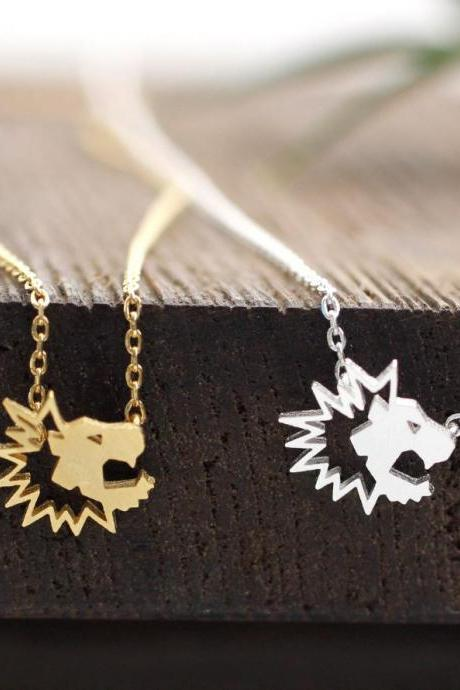 Cut-out Tiny Lion necklacein 2 colors