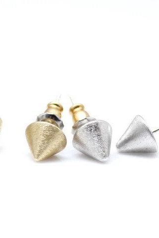 Simple Single Solid Brass Spike Earrings in 2 colors