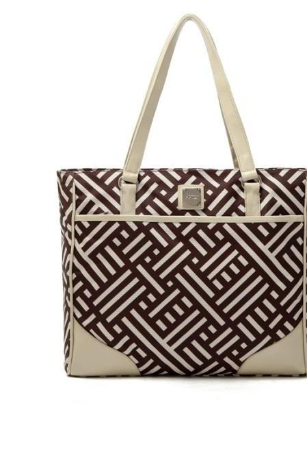 Maze Pattern Shoulder Bag