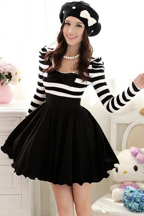 Cute Black And White Stripes Pleated Dress With Bow
