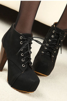 Lace ankle boots thick with Martin boots--black