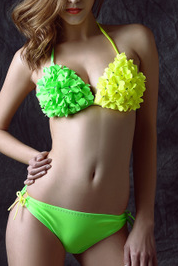 The new 2015 Europe and sexy bikini woman two-piece dichromatic personality flowers 888