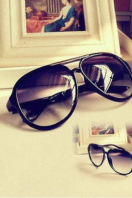 New SunGlasses New Colors Fashion Style Shades Men Women Classic Black 08 WB