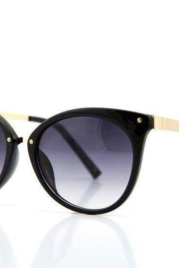 Cat eye brack frame fashion elegant woman sunglasses