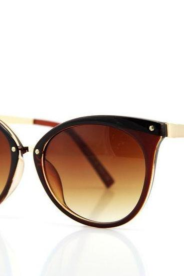 Brown Framed Cat-Eye Sunglasses Featuring Brown Coloured Lenses