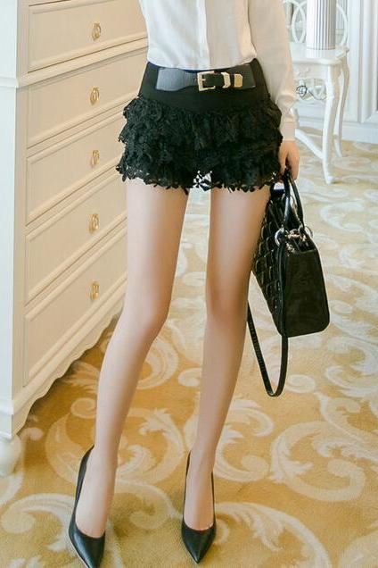 Lace embroidery shorts--black