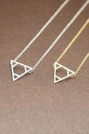 Legend of Zelda Triforce pendant necklace Gold /silver