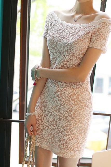 Romantic Petal Edge Boat Neck White Lace Dress